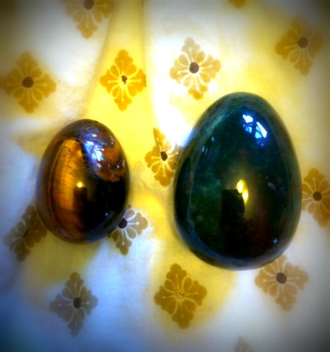 Medium tiger's eye and large bloodstone yoni eggs