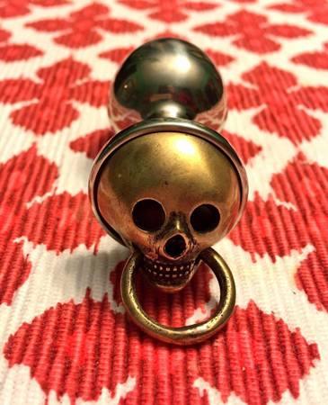 skull-plug2